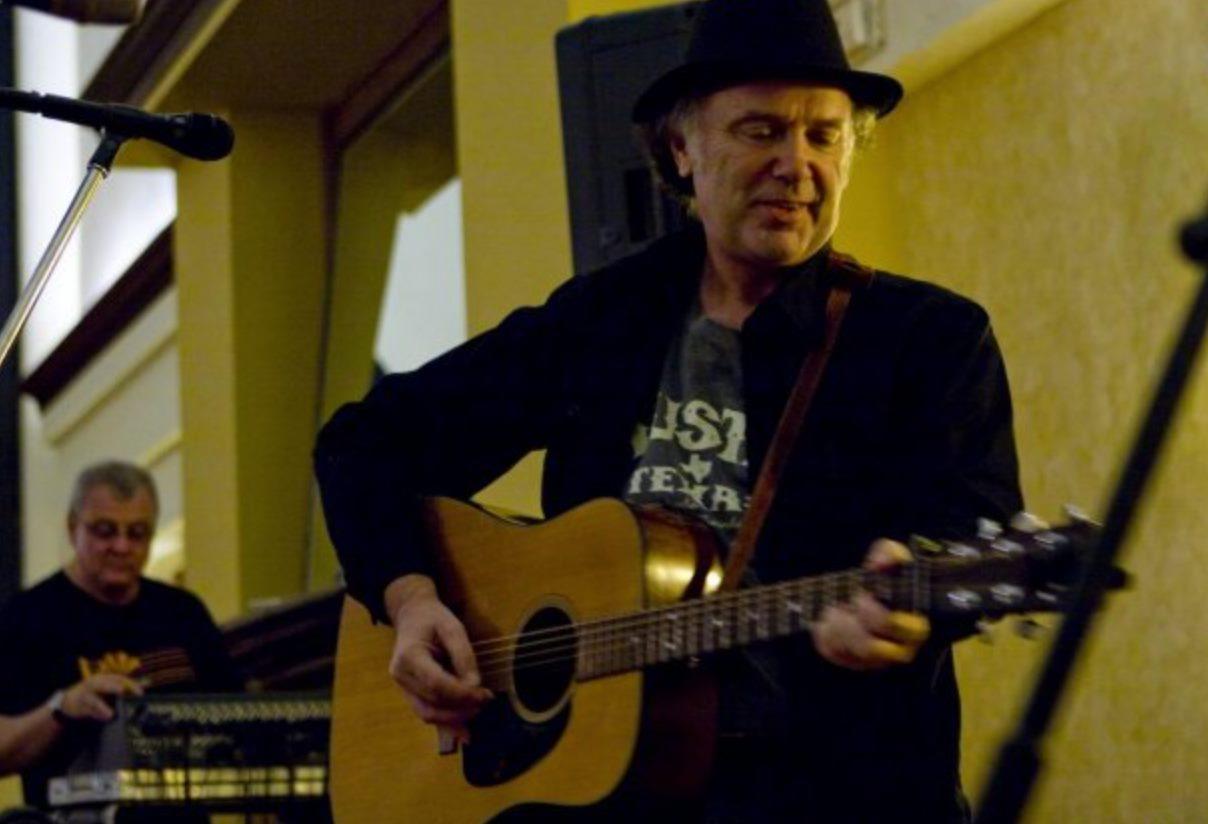 Michael McGarrah with guitar